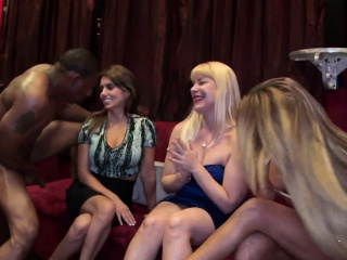 Delightsome angels are engulfing male strippers' peckers