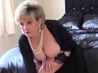 Unfaithful british milf lady sonia showcases her mass08MeW