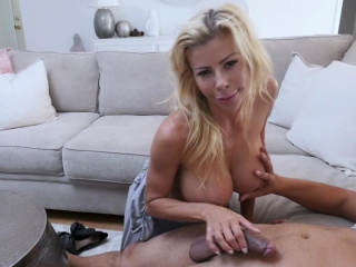 Experienced milf knows regardless how to hand venture
