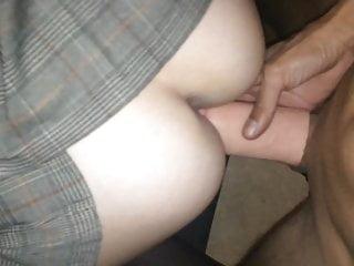 Laure prise en DP se fait remplir le cul de sperme