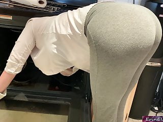 Stepmom is oversexed added to stuck down be passed on oven