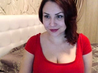 Bosomy big titty MILF teases ahead be worthwhile for time webcam