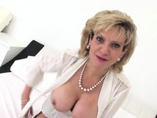 Unfaithful british mature meditate on ellis showcases her bi43AZX