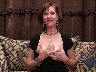 Mature female parent nearly saggy tits fucks pussy