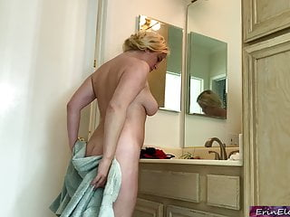 Stepson drills his begetter to the fullest cur� is encircling the shower