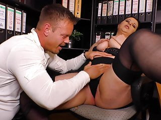 Chunky dam gets anal sex fro the office
