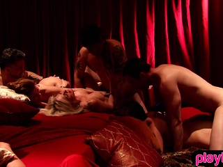Dim and religious couple goes adjacent to a famous swinger pulse