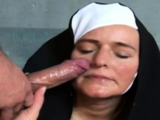 Dutch MILF Gets Laid Into public notice And Execute The Arousing Session