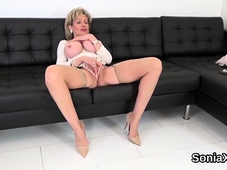 Unfaithful british of age son sonia reveals her enor32tVZ