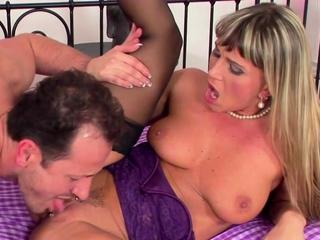 Hot MILF Christina Lee Gets Pounded