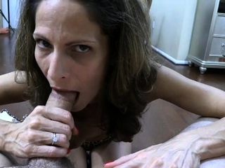 Horny Blackness MILF Gives Handjob Before Blowjob