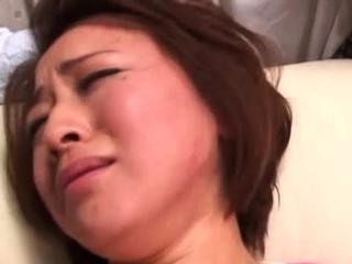 Experienced japanese bitch enjoys some lustful finger fucking