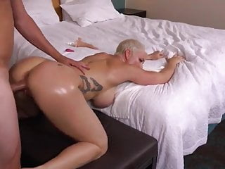 Cum involving MOM