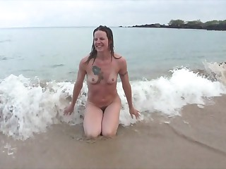 Smiley Mart MILF empty within reach the beach and after a shower