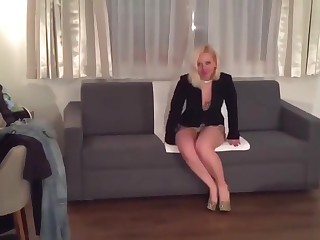 Light-complexioned sexy leg grown up milf mom in high heels