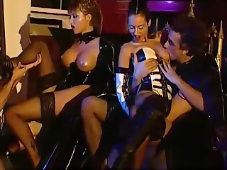Anal and DP beguilement in fetish foursome with chick in thigh servitor