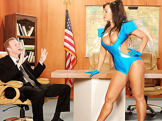 Lisa Ann Give Busty Invaders From Mars, Chapter 3