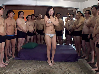 Emi Asano thither Emi does a bukkake - MilfsInJapan