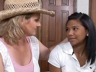 Autum Sputnik & Elexis Monroe & Emy Reyes in Governing Queen #08, Scene #02