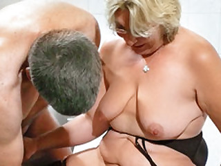 German Granny takes a young blarney - MMVFilms