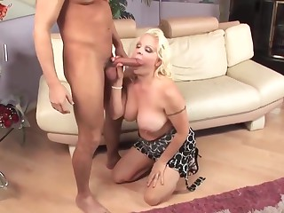 Blonde milf cougar fucks youger supplicant
