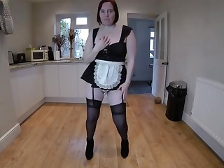 Amateur housewife striptease plus dance