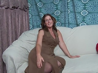 Dutch MILF Manuela
