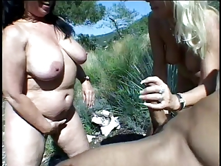 Classic Matures Open-air Threesome