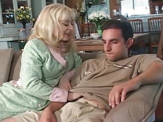 Lonely MILF Seduces Son's Affiliate - Cireman