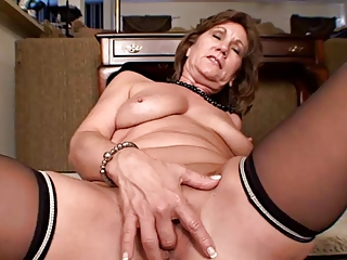 53 Savoir faire Elderly MILF Masturbating... IT4