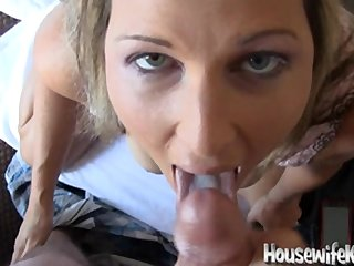 Hot Wife loves to give Blowjobs and Pay off