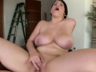 Curvy big titted booty pet fucked