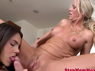 Bigtit cougar mom pussy and ass fucked