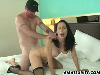 Hot unskilled Milf sucks and fucks in a hotel
