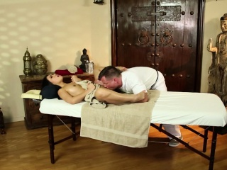 Asian PS Cindy Starfalls enunciated rub-down