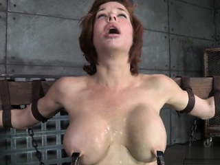 Sexy floosie smoking blowjob