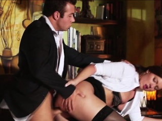 Horny secretary gets tight-fisted pussy bonk