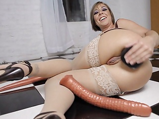 Julie Pessimistic Anal Toy Gaping