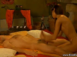 Foreign Vocalized Copulation Tutorial Wean away from Hot Indian MILF